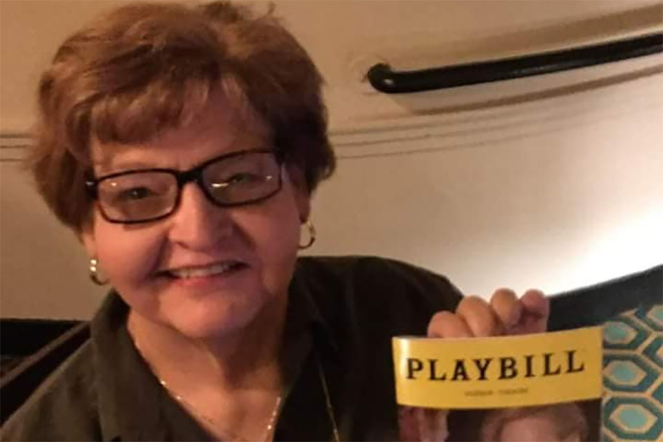 Retired faculty member establishes theatre scholarship to honor late wife