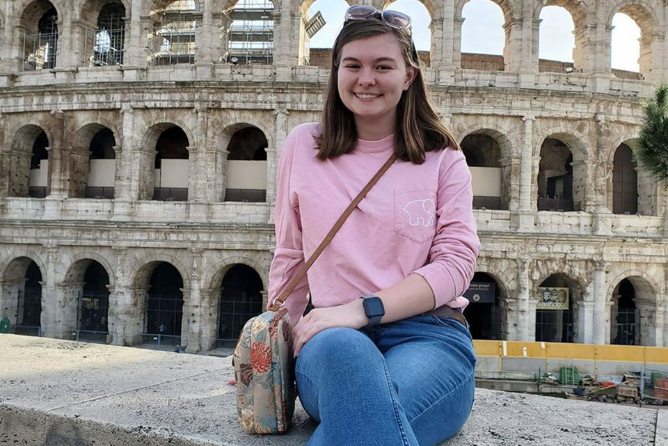 Honors Program awards two study abroad scholarships