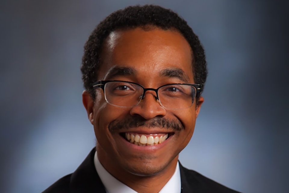 Hallmon's collaborative research of recreation issues addresses diversity, profession-based learning